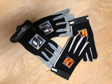 "Sell: GANTS ""PERFORMANCE DESIGNS""- Tailles : S,M,L,XL"
